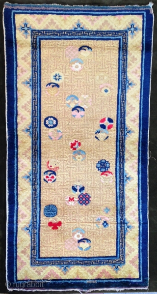 September Sale : A Chinese Rug ( Ningxia ! ) Unusual design and good wool .
