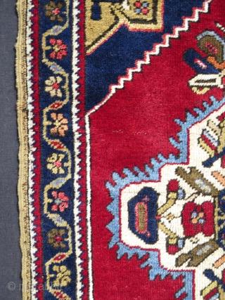 Anatolian Tashpinar yastik. Great soft wool.  Size:  59 cm x 95 cm.