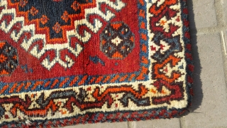 Persian old sherazi bag face in good condition.size 55×57 cm.For more info kindly contact on my email.Nabizadah_carpets@yahoo.com