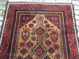 a very nice antique Ferdows Baluch rug, size: 210x125cm / 6'9''ft x 4'1''ft, age: 19th century, very nice collector´s item. Some corrosion of the black in the middle part