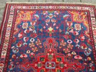 Fine antique Persian Bakhtiary rug, beautiful sky-blue ground color. Size: 147x105cm / 4'9''ft x 3'5''ft