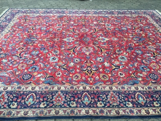 Large antique Persian Tabriz carpet from the 1920´s, very decorative. Size: ca. 465x370cm / 15'3''ft x 12'2''ft