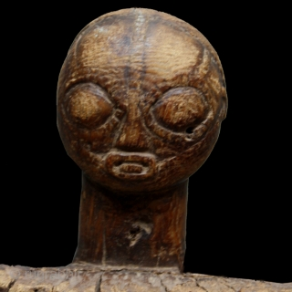 "Game board cod. 0149. Carved wood. Luba people. South East region D.R. of Congo. Mid. 20th. century. Good condition with corrosion to the leg. Cm. 76 x 34 x 26 h. (2'6""  ..."