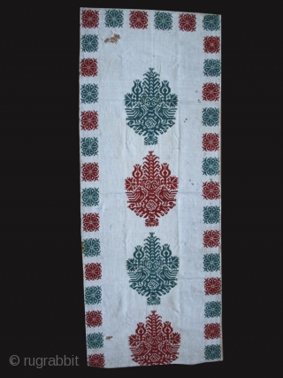 """Bed tent fragment """"Sparveri"""" cod. 0517.Silk embroidery on natural linen. Rhodes Island. Greece. Circa 1650. Very good condition apart from some surface stains and two holes. Cm. 53 x 130 (1'9"""" x  ..."""