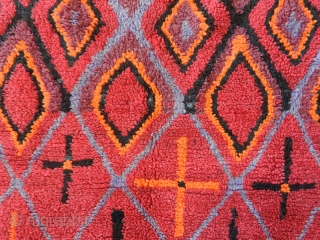 """Pile rug """"Tharashna"""" cod. 3008. Ait Bou Ichaouen tribe. Talsint area. Eastern Morocco. Mid. 20th.century. Very good condition. Size cm. 370 x 180 (146 x 71 inches)."""
