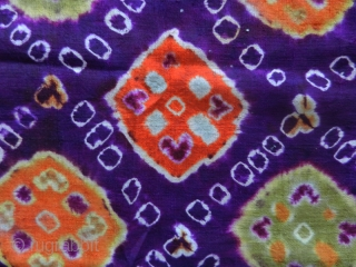 Pelangi shoulder cloth selendang cod. 0766. Pelangi and tritik technique (tie dye) on Chinese silk, early 20th century. Palembang -Sumatra. Very good condition. Size cm. 53 x 274  ( 21'' x  ...