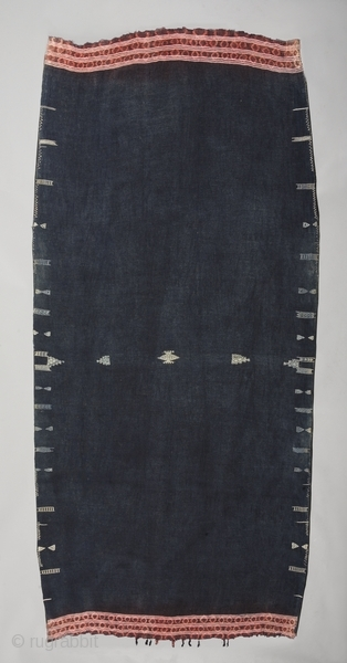 """Woman's mantle """"Backhnug"""". Wool cotton tie-dye. Berber people. Matmata area. Tunisia. Early 20th. century. Good condition with one old patch. Cm. 110 x 216 (3'7"""" x 7'1"""")."""