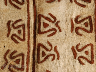 Tapa barkcloth cod. 0561. Collected in West New Britain but migrated from Collingwood Bay. Oro province. PNG. Very good condition (probably half of the original size, two of the four panels). Circa  ...