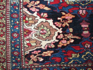 #1B150  Hand made antique Persian Isfahan rug 4.3' x 6' ( 131cm x 183) 1900.C