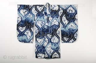 This is a wonderful Japanese children's yukata, or cotton kimono, with a bold