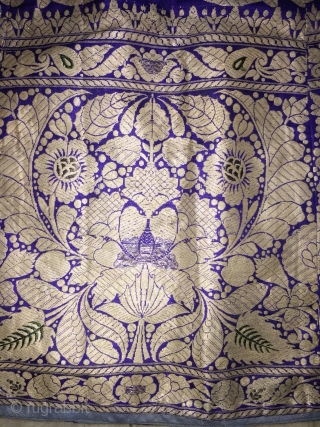 Brocade real Zari (silver) skirt from Varanasi Uttar Pradesh India also called as khali ghaghra its Length is 91.5 cm and the complete circle is 387 Cm