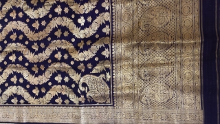 Vintage real zari pitambari sari made in Varanasi Uttar Pradesh India 1900 c. Worn by the royal family's.the size of the sari is 465 cms X 108cms.sari is mint wearable condition