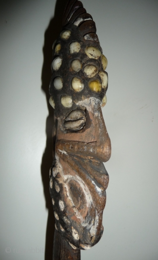 beautiful antique papua new guinea   tribal sculpture from an old european collection. wood, shells, pigment and natural resin. H. 29cm