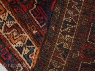 Small Khamseh Conferderation rug. With a rare design .No repairs, all original. Colours from a natural source, and a good overall condition. Size 104 x 70 cm.