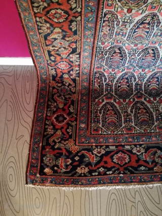 Antik Mishan Malayer 250/134 cm. Good shape with little demages.