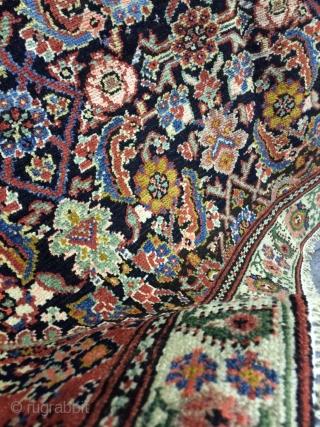 An antique Malayer Feraghan with 240/126 cm. Good shape wirh low pile. Great border design.