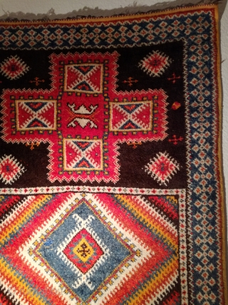 An old Morocco rug with 205/115 cm. Funky. Good shape. I love it.