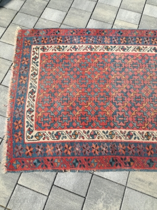 An antique Beshir runner with 332/113 cm. In as found condition.