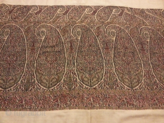 Rare hand embroidered Indian shawl 19th century beautiful condition