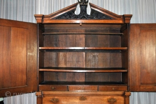 Dutch 1780 - 1785 Kabinet.  Below 3 drawers, above 2 doors. Behind the doors 3 small drawers and 4 shelves.  Original to store the, in the time,  precious linen. Oak wood. 'open'  ...