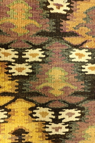 Fine Senneh kilim, 290 x 105 Centimeters. 