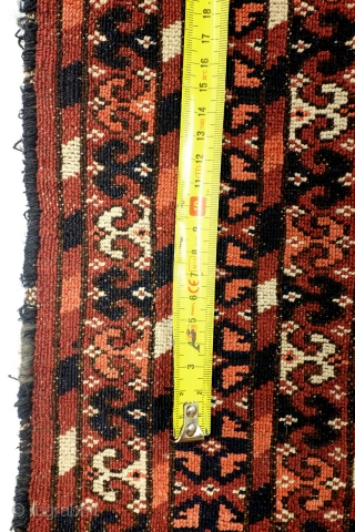 Ersari Tekke, antique, from a German private collector, used as a wall hanging. see detail photo's. Fine knotting - 49 knots per Cm. Naural colors. size: 140 x 100 Cm.   Lot's of  ...