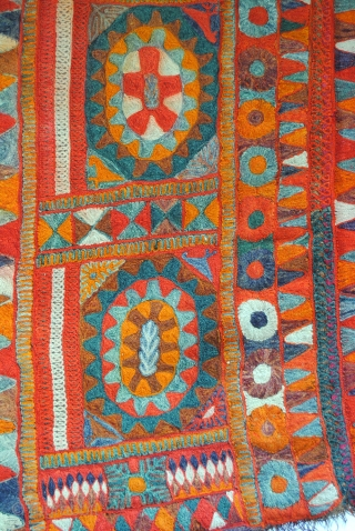 Stunning rug made by Iraki marsh Arabs. 1950.  250 x 135 Cm.   8.3 feet x 4.5 feet.  Ma'dan nomads.  From the lost Paradise.  Marsh Nomads between Euphrates and the Tigris,  ...