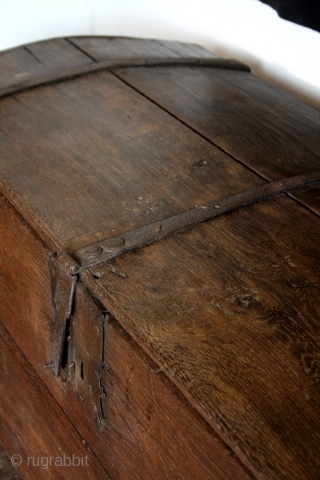 Gothic trunk, probably Dutch, around 1480 - 1550. 