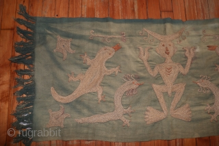 ANTIQUE SULAWESI KALIMANTAN RITUAL CLOTH INDONESIA,  1'8''X3'9''