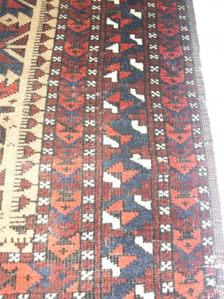 Very fine  antique  Beluch  19th. entury , 78 X 145  cm.   Very  slight mothdomage  otherweise komplet and in  good condition   with  ...