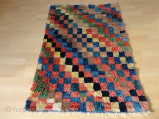 Superb  and  rare antique Persien Bachtiari  longpile  Gabbeh  rug  87 X 129 cm.    Pile from  great  shiny wool , natural colors  ...