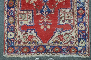 Central Anatolian Carpet, full pile. Some old repairs. 204 x 127 cm