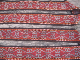 """Antique Kirghiz, Uzbek very long tent band, yurt decoration. In excellent condition, nice colors with natural. Size 1800-19 cm, 60'x8""""."""