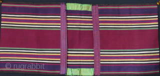 """Azerbaijan ethnic silk jajim small double bag. Used but has great patina and condition.  Circa 19th cent. Size : 22"""" X 10"""" - 56 cm X 26 cm"""