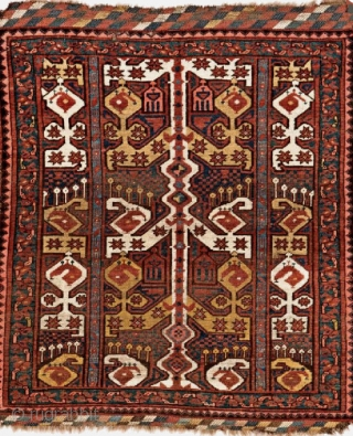 A simple example of an ikat pile weaving - a Beshir Khali. Beautiful Kilim ends. Perfect for Wall decor. Acquire it here: https://wovensouls.com/products/1262-small-antique-ersari-beshir-khali-dowry-rug-gallery-2