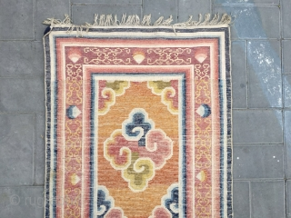 Ningxia rug, colorful lucky cloud veins , beautiful clouds and colorful strips selvage. Very good woven and condition. Size 180*62cm