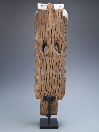 """Temple carving of, most likely, Vishnu from Kerala, India. Carved wood. 18"""" (45.7 cm) high, 20"""" (50.8 cm) with base, 5.5"""" (14 cm) wide 16th to 17th century #7680"""
