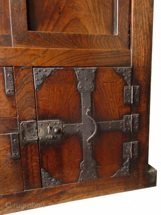 Rare Japanese Two Section Mikuni Choba Tansu A stunning Japanese two-section choba tansu (merchant's chest), made from solid Keyaki (elm) wood, originating from the Mikuni region. The upper section holds a roomy, shelved  ...